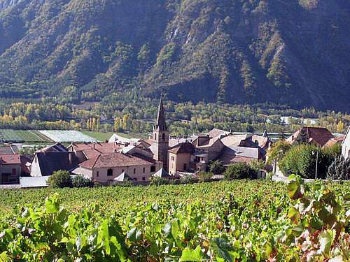 Remollon, village de fruits et de vins